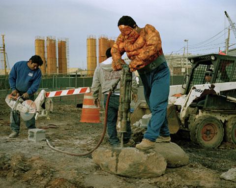 LUIS HERNANDEZ originario de Estado de Veracruz trabaja como demoledor en