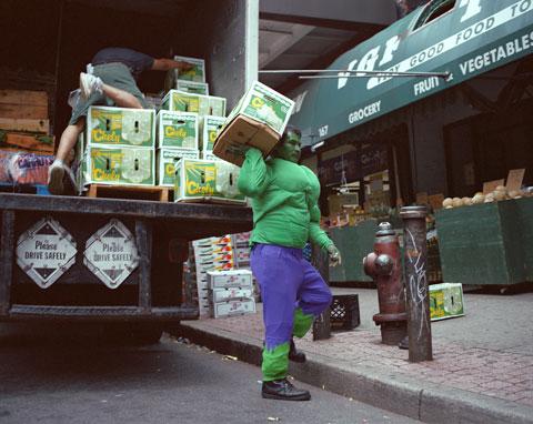 PAULINO CARDOZO originario del Estado de Guerrero trabaja como cargador en Nueva York.