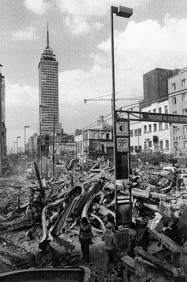 http://entregeeks.files.wordpress.com/2009/09/terremoto_1985_torre_la.jpg